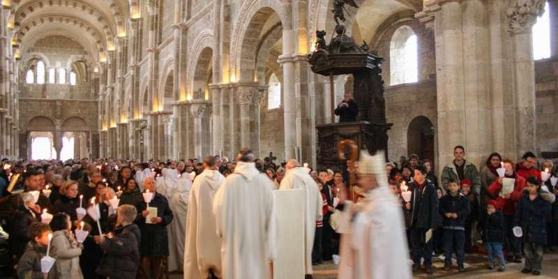 cérémonie dans la basilique de vézelay