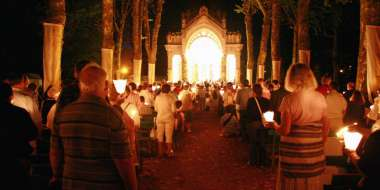 Procession fêtes du Sacré-Coeur.