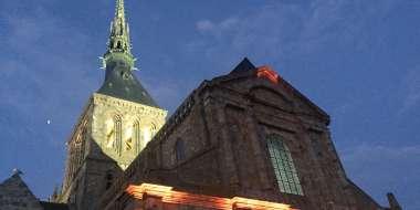 abbaye_Mont-Saint-Michel _ flèche_abbatiale_illuminations