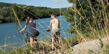 faire du vélo au lac du causse