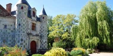Le château-musée de St-Germain-de-Livet