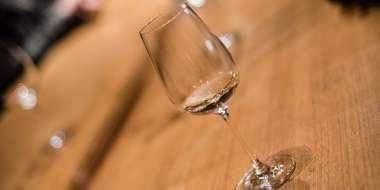 Visiter une cave et déguster du vin d'Alsace.