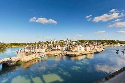 port de Saint Goustan - petit pont et quai
