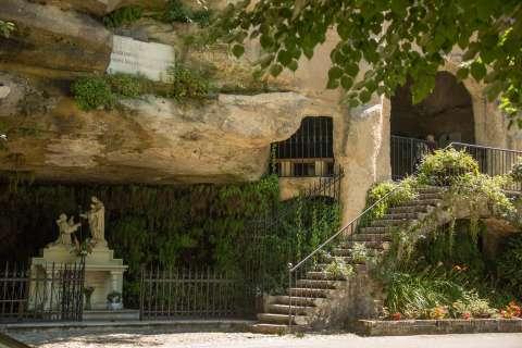 Vue sur la grotte Saint-Antoine-de-Padoue