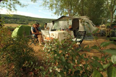 En tente au camping du causse