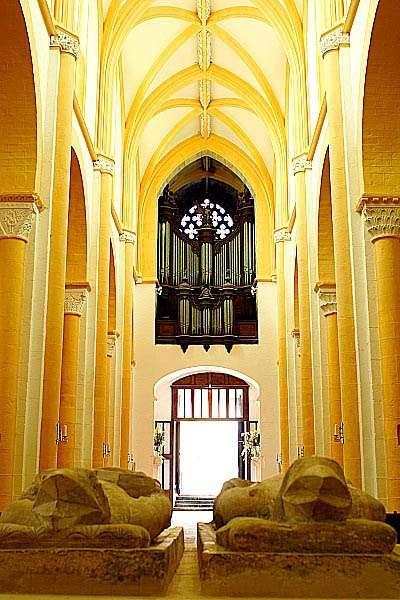 Les gisants et l'orgue