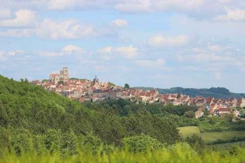 La basilique et le village de Vézelay