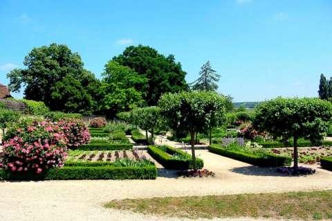 Les jardins du prieuré de Souvigny