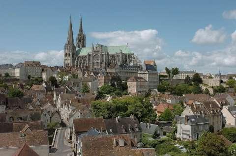 Cathédrale de Chartres et la ville