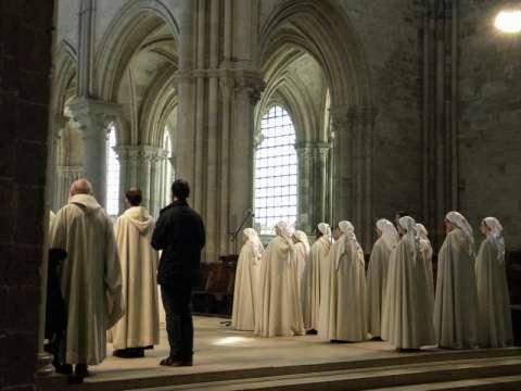 Office dans la basilique de Vézelay