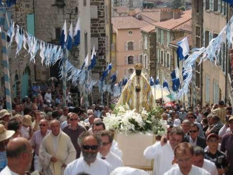 Procession de l'assomption de la Vierge Marie au Puy-en-Velay
