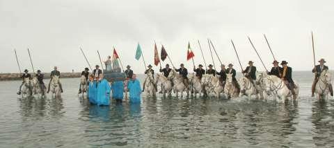 Procession à la mer d'octobre