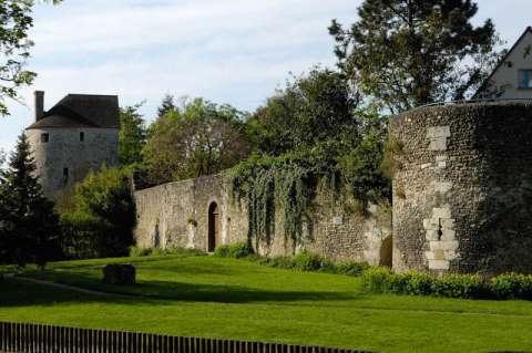Remparts de la ville de Chartres