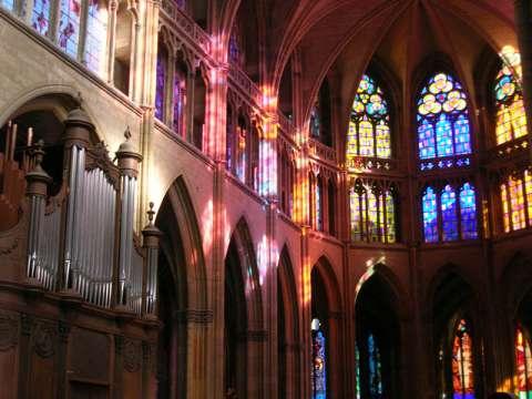 Les vitraux par Alderola - Nevers
